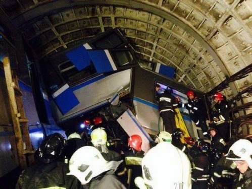 Число госпитализированных после аварии в метро выросло до 150 человек