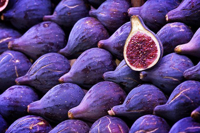 Фиолетовые фрукты и овощи защищают от солнечных лучей