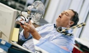 Работодателей оштрафуют за невнимание к здоровью сотрудников в жару