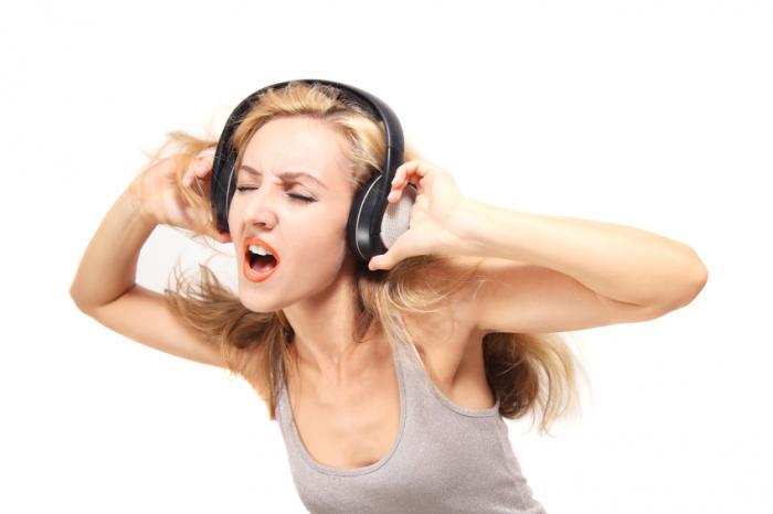Как громкий шум повреждает слух?
