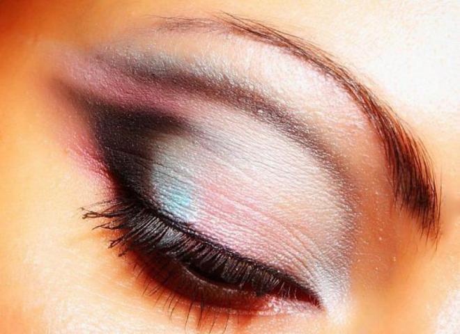 Правила нанесения макияжа от визажистов