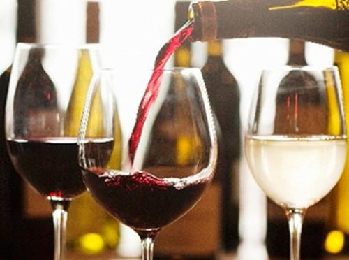 Французская больница откроет для пациентов винный бар