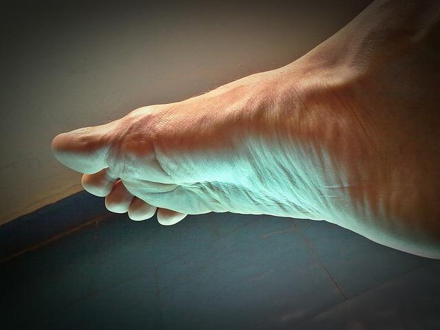 6 простых способов уменьшить запах ног