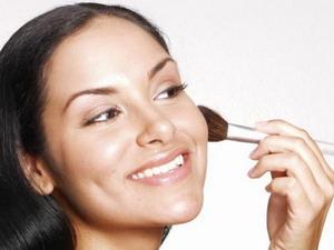 Как косметика помогает избавиться от недостатков кожи