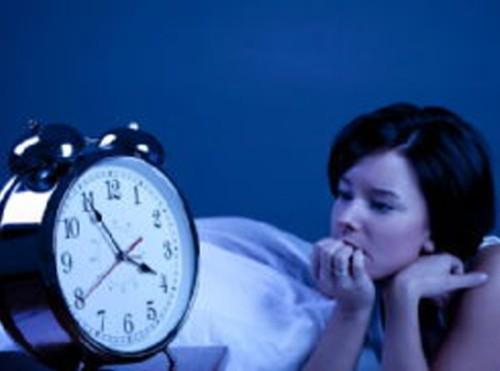 Способность мало спать по ночам объяснили генетической мутацией