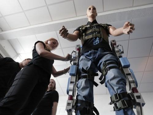 В России набирают добровольцев-инвалидов для испытания экзоскелета