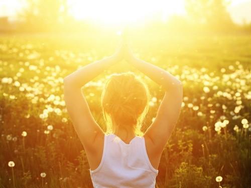 Развитие близорукости посоветовали предотвращать солнечным светом