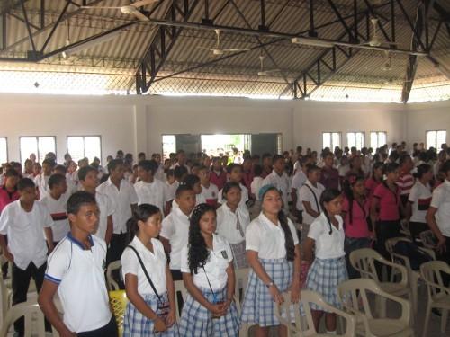 В Колумбии более 200 девочек-подростков поразило неизвестное заболевание