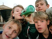 Эксперты категорически не рекомендуют рано пробовать спиртное