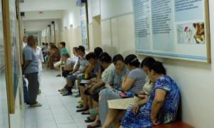 Мигранты получат право на бесплатное лечение и оплачиваемый больничный