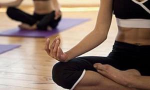 Йога может уменьшить искривление позвоночника при сколиозе