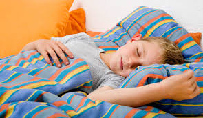 Как правильно организовать полноценный сон ребенка