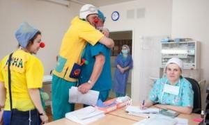 Больничные волонтеры получат льготы при поступлении в медвузы