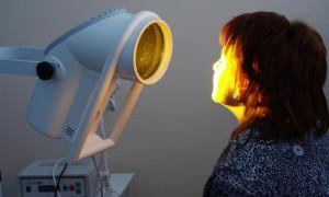 Сила света: что такое светолечение?