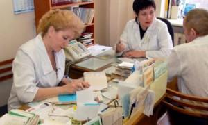 На помощь: медсестрам передадут часть обязанностей врачей