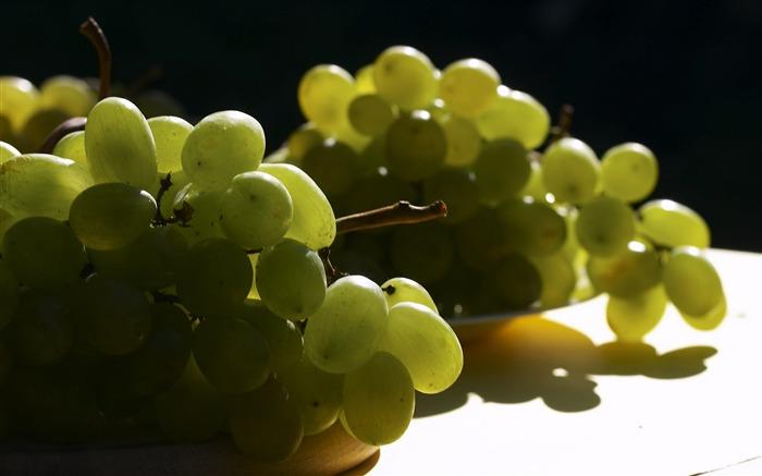 Можно ли есть виноград беременным