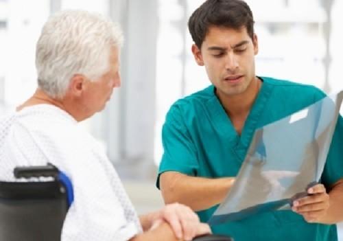 Минздрав сократил время приема терапевта до 15 минут