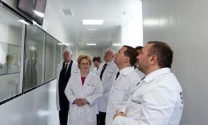 Медведев отказался экономить на диспансеризации