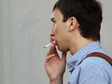 Мужчины-курильщики подвержены большому риску развития остеопороза