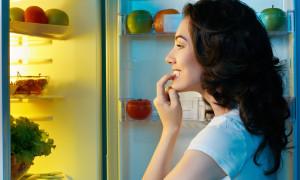 Еда по ночам повышает риск рака груди