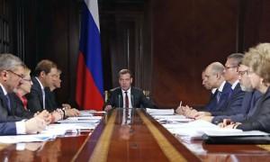 Медведев поддержал легализацию параллельного импорта для медтехники и лекарств