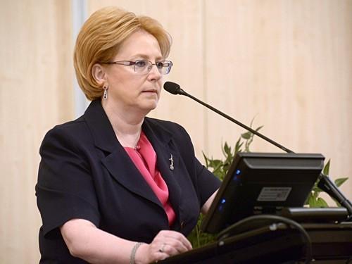 Скворцова обещает справедливую оценку ограничений импорта медоборудования