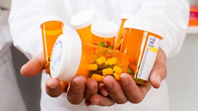 Депутаты предлагают запретить рекламу лекарств