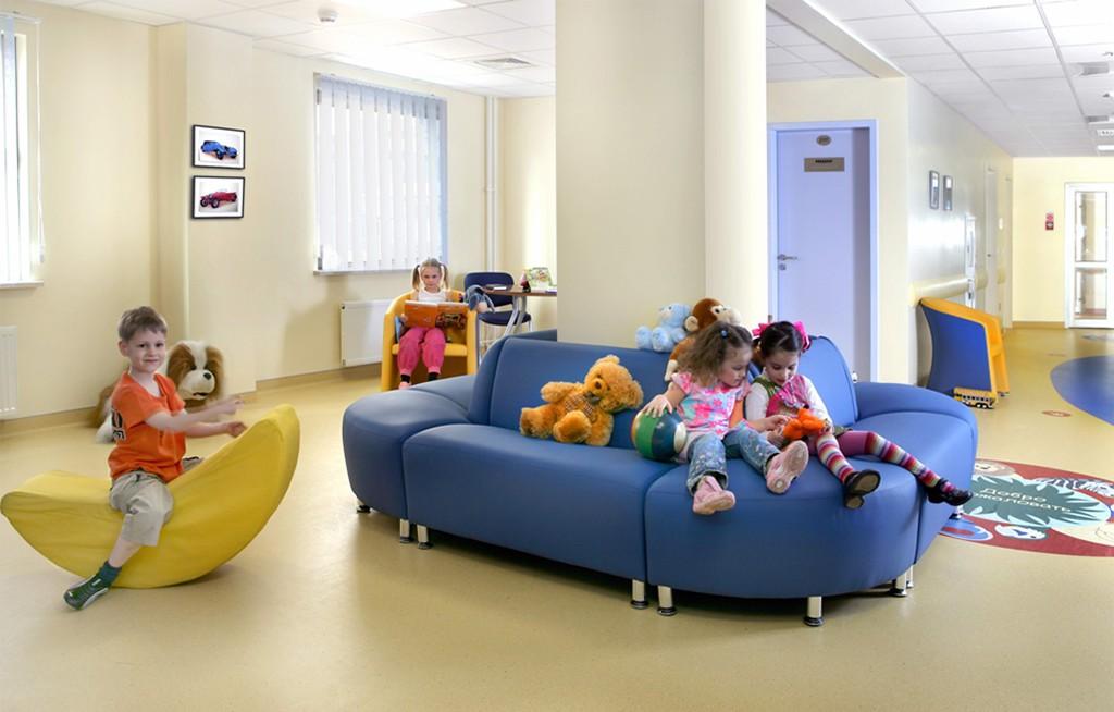 В детских поликлиниках разместят стенды с информацией о бесплатных ЛС