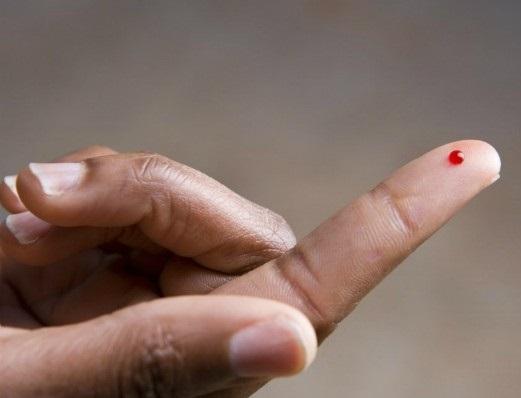 Возраст человека научились определять по капле крови