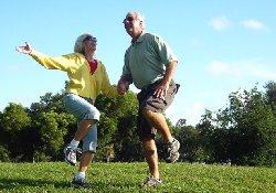 Для пожилых людей лучшим методом профилактики переломов являются… прыжки