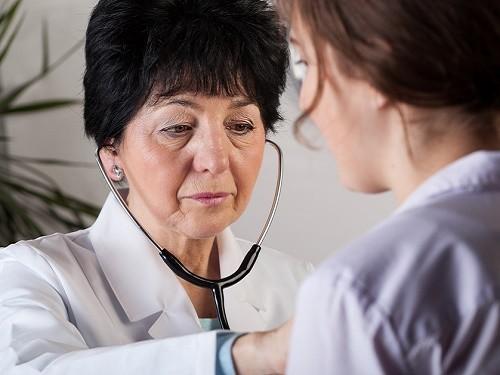 Россияне видят медицинскую помощь доступной как никогда, но низко оценивают ее качество