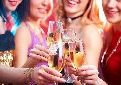 Ученые напоминают: для женщин употребление алкоголя – путь в онкодиспансер