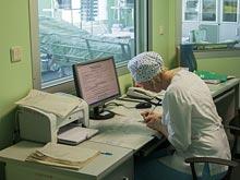 Бумажная волокита заставляет врачей работать дольше положенного