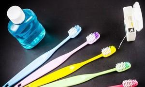 Зубная нить может нанести больше вреда, чем пользы