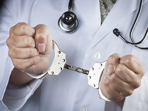 В Оренбурге завели уголовное дело на врача за «липовую» справку об инвалидности