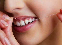 Использование зубной нити небезопасно