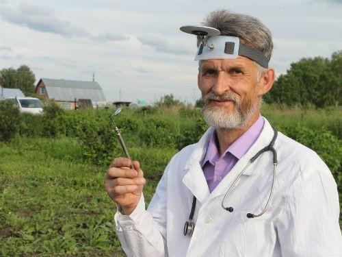 Госдума на год продлила программу по привлечению в село медиков