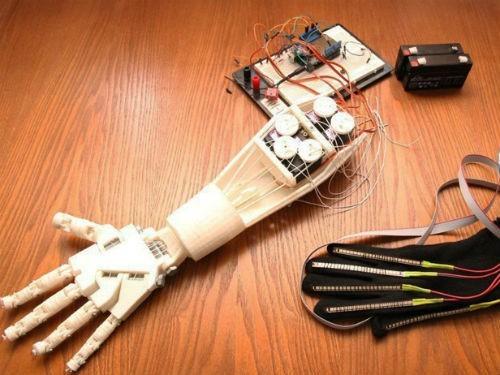 Томские студенты изготовили на 3D-принтере роботизированную руку