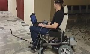 Создано роботизированное инвалидное кресло, управляемое силой мысли