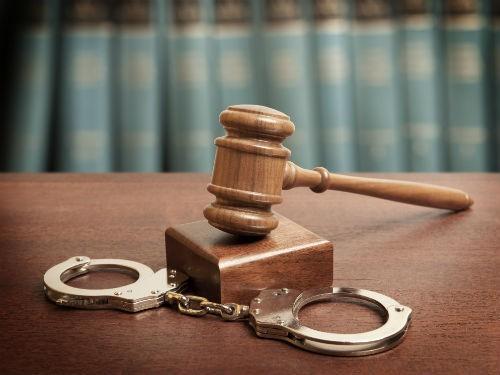 Жительницу Саратова приговорили к 16 годам колонии за убийство врача
