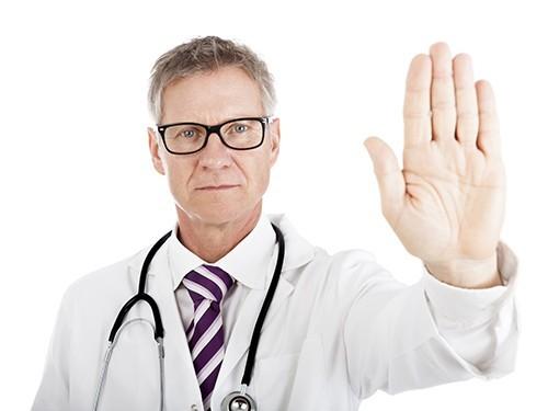 Активисты требуют разрешить посещать больных в реанимации
