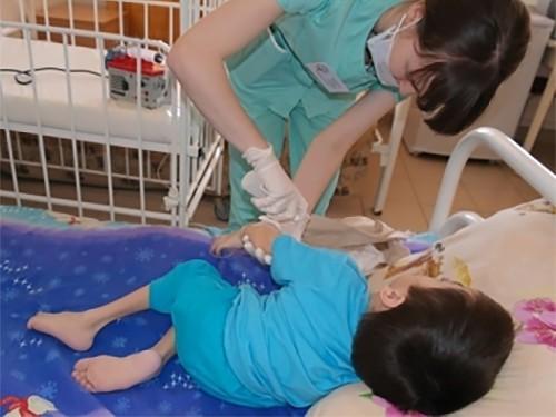 На Урале начали закупать лекарство для ребенка с редким генетическим заболеванием