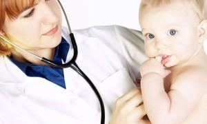 Рвота у ребенка: что делать до приезда врача?