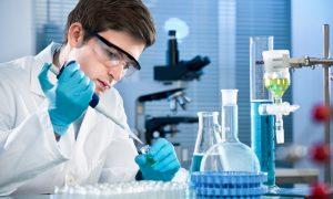 Американские ученые вырезали ВИЧ из ДНК