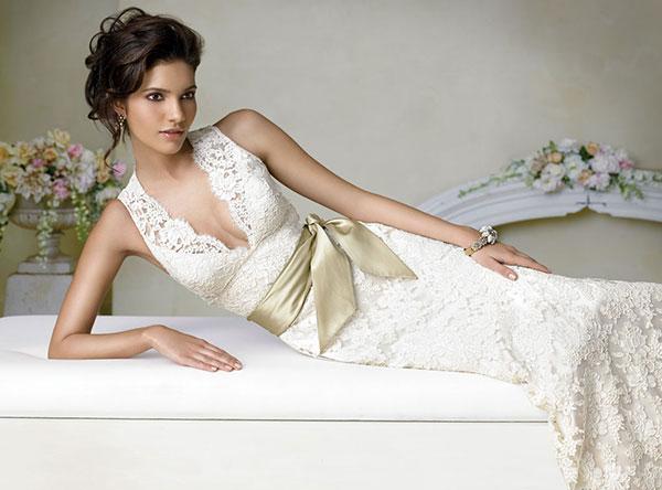 Как правильно подобрать обтягивающее платье