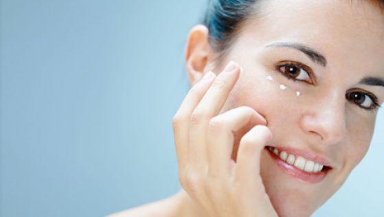 Как выбрать лучший крем против морщин для омоложения кожи