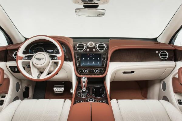 Яндекс навигация в Bentley Bentayga