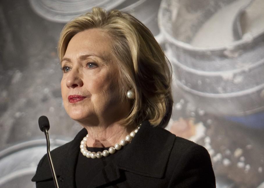 Хиллари Клинтон пообещала штрафовать фармкомпании за неправомерное завышение цен на лекарства