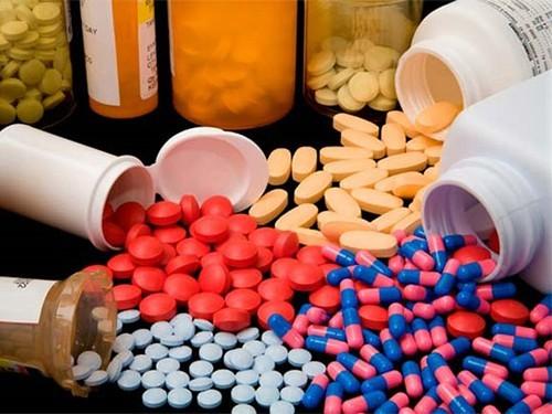 Минздрав предложил закупать лекарства только по международному непатентованному названию