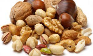 Орехи и бобы оберегают от рака
